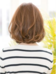 【VIALA 自由が丘】カール×ワンレンボブ2016 Short Curls, Short Hair With Layers, Long Hair Cuts, Beautiful Haircuts, Stylish Haircuts, Japanese Hairstyle, Hairstyles Haircuts, Hair And Nails, Salons