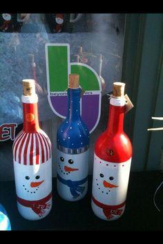 Bouteilles de vin en bonhomme de neige