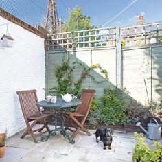 Small cottage courtyard garden