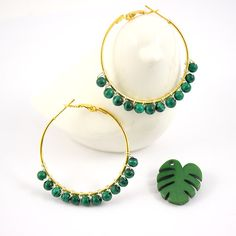 Creoles with malachite beads Diy Earrings, Silver Earrings, Pearl Earrings, Hoop Earrings, Wire Jewelry, Boho Jewelry, Silver Jewelry, Silver Ring, Bijoux Malachite