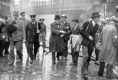 Churchill walkabout, London