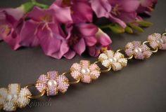 "beaded bracelet ""Flowers of Summer"" by Alina Reiswich. Tutorial here: http://biser.info/node/439789"