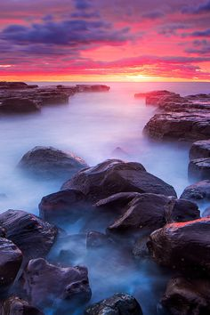 Red dawn in Kiama, New South Wales, Australia  (by Joshua Zhang)