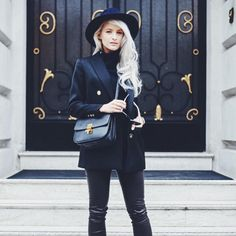 Monochromatic black look from IntheFrow Reiss Fashion, Love Fashion, Autumn Fashion, London Fashion Weeks, Victoria Magrath, Business Casual Outfits, Cute Outfits, Work Outfits, Winter Outfits
