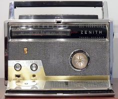 Vintage Zenith Royal 1000 All Transistor Trans-Oceanic Short Wave Portable Radio, Made in USA.