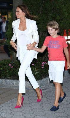First Lady Melania Trump & Baron Melanie Trump, Milania Trump Style, Donald And Melania, Look Fashion, Womens Fashion, Ladies Fashion, First Lady Melania Trump, Trump Melania, White Suits