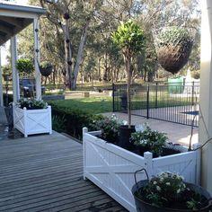 Outdoor Areas, Outdoor Rooms, Raised Garden Planters, Balcony Garden, Hampton Garden, Garden Ideas To Make, Backyard Patio, Backyard Ideas, Plant Box