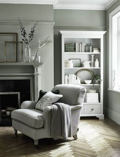 6 Green Living Room Designs That Are Going To Blow Your Mind - Find out why modern living room design is the way to go!Cosy living room designs as seen from abov - Design Living Room, Living Room Green, Home Living Room, Cosy Grey Living Room, Shabby Chic Grey Living Room, Lounge Room Designs, Living Room Decor Green Walls, Grey Dinning Room, Dado Rail Living Room