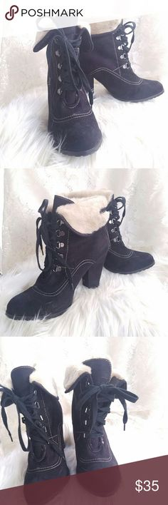 Womens Black Faux Fur Lined Ankle Boot Rue21 This listing is for a super cute pair of Rue21 ankle boots. These boots are a size 10 with very light if any wear. The soles of the shoes are in excellent shape. These shoes were worn less than a handful of times. These boots have a Faux fur Lining on the inside. Rue21 Shoes Ankle Boots & Booties