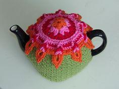 Sunburst tea cosy - free crochet pattern!