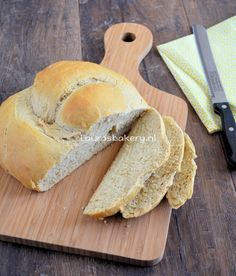 Volkorenbrood (Laura's Bakery) Fish Recipes, Meat Recipes, Cooking Recipes, Healthy Recipes, Healthy Food, Naan, Bakery, Vegetarian, Lunch