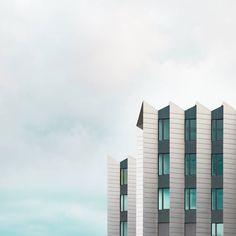 Minimalist Blue Architectural Photographs – Fubiz Media