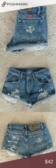 VINTAGE  PERFECTLY DESTROYED SHORTS SZ 28 VINTAGE HIGH WAIST DESTROYED WRANGLER JEAN SHORTS, JUST IN TIME FOR SPRING BREAK & SUMMER..SO CUTE! SIZE 28 MEASURED FLAT 14 INCHES ACROSS. Wrangler Shorts Jean Shorts