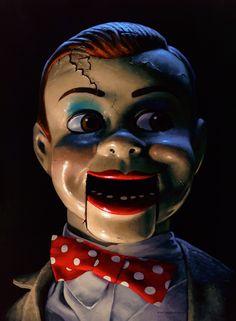 Dark doll paintings are the stuff of nightmares