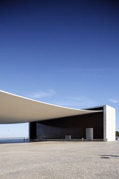 * Pavillon du Portugal, architecte : Alvaro de Siza Vieira