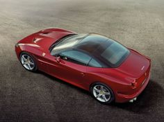 Ferrari California T: new images and videos