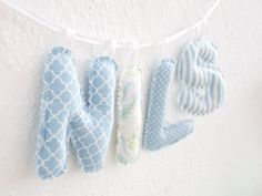 Sew baby lettering chain yourself (free sewing instructions) - Nadel und Faden - Baby Ideas Sewing Patterns Free, Free Sewing, Free Pattern, Sewing For Kids, Diy For Kids, Gifts For Kids, Sewing Toys, Baby Sewing, Sew Baby