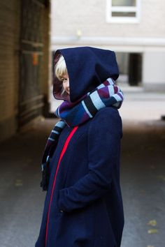 wool jacket in NAVY BLUE with red zipper   ottobre woman