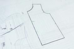Kostenloses Schnittmuster: Sweatjacke für Kinder nähen | Snaply-Magazin Baby Sewing, Sewing Patterns, Chart, Sweatshirts, Hoody, Magazine, Dressmaking, Tutorial Sewing, Jacket