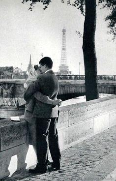 ''Seine, paradis pour les amoureux'', fotografia de 1956 de Nico Jesse. Veja…