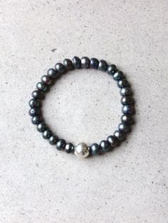 Bracelet Black Pearl Project Collaboration, Peacock, Beaded Bracelets, Pearls, Gifts, Black, Jewelry, Presents, Jewlery