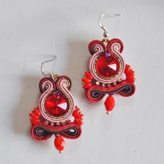 Red earrings with soutache and Swarovski Rivoli Round stone - Perles & Co