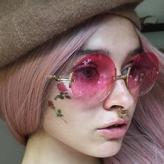"""""""Mi piace"""": 3,195, commenti: 14 - EverydayWigs®️ (@everydaywigscom) su Instagram: """"Look at this beauty,our sweet honey @melaniesantox is perfectly rocking this candy pink wig.Do…"""""""