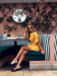 Yellow is one of the hottest color this season. Yes, it could be daunting for some to wear Yellow as it commands some serious attention Perfect Image, Perfect Photo, Love Photos, Cool Pictures, Color Yellow, Color Pop, Corset Blouse, Bright Dress, Yellow Dress