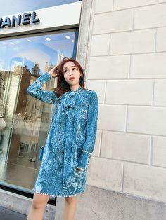 FENDAS (7折首发) 精致手工定钻长蝴蝶结领暗花长袖丝绒连衣裙-淘宝网