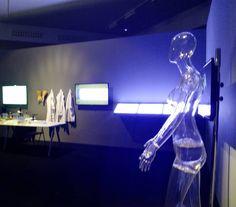 """""""Data Drops"""" de Mar Canet y Varvara Guljajeva en colaboración con el Dr. Mario de la Fuente en la muestra """"Reverberadas"""", Exploraciones sobre Arte Digital y Ciencia, en Etopia Center for Art and Technology, Zaragoza hasta el 18 de Septiembre."""
