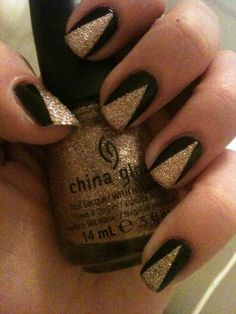 Black  Gold nail art - perfect for football season. Go Saints! ( I could care less about the Saints but I LOVE these nails!!!!!! )
