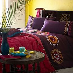 Bohemian Style Bedroom Ideas - Lots of color, vibrant, warmth and an unconventional style – Bohemian.  Bohemian style is associated with gypsies, art, music and unique mix of colorful elements. Designing and decorating a bohemian style bedroom is fun and you can use all the creativity and ideas to a complete bedroom makeover.