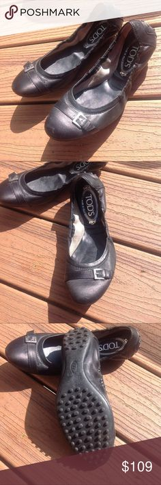 Tod's Dee Fibiatta Ballet Flats Black Ballerinas in smooth leather with captoe buckle  and studded heels.  Made in Italy.  Great used condition, some minor scuffing. Tod's Shoes Flats & Loafers