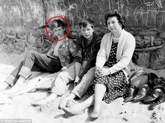 David Bowie's school friend remembers how he was 'one cool guy' even as a pupil | Daily Mail Online