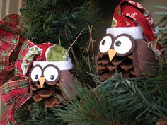 Christmas Owls Tuck Hahn little thing called Love: I participated in an online ornament exchange over at Craft Goodies. I hope they like them! They were so fun to make and pretty easy too. I used a pine cone for the body, felt for the wings and hat, s Christmas Owls, Diy Christmas Ornaments, Christmas Projects, All Things Christmas, Winter Christmas, Christmas Holidays, Christmas Decorations, Woodland Christmas, School Holidays