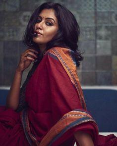 Indian Photoshoot, Saree Photoshoot, Beauty Full Girl, Beauty Women, Indian Wedding Photos, Beautiful Black Girl, Beautiful Women, Saree Models, Curvy Girl Fashion
