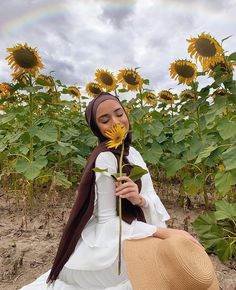 Hijabi Girl, Girl Hijab, Hijab Outfit, Hijab Fashionista, Model Poses Photography, Beau Hijab, Mode Turban, Muslim Women Fashion, Hijab Style