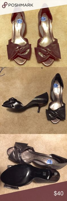 NWOT Silver peep toe sparkly evening pumps Never been worn dark silver/sparkly gunmetal gray peep toe evening pumps!! Gorgeous and extremely comfortable shoe with low heel. pelle moda Shoes Heels