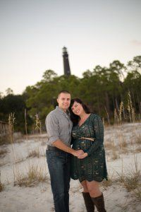pensacola florida. travels to florida. pensacola lighthouse. couple portraits. pictures on the beach.