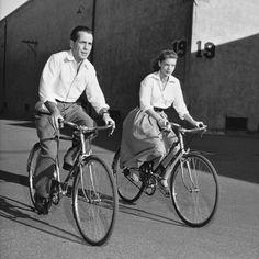 Fotos antiguas de bicicletas: Humphrey Bogart y Lauren Bacall