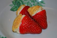 Cheesecake Stuffed Strawberries.  What a brilliant combination!