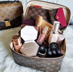 Beauty Care, Beauty Skin, Beauty Makeup, Makeup Storage, Makeup Organization, Makeup Collection Storage, All Things Beauty, Girly Things, Sacs Louis Vuiton