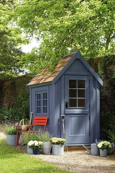 Best 8 Amazing Small Garden Shed Storage Ideas /.Breathtaking Best 8 Amazing Small Garden Shed Storage Ideas /. Shed Paint Colours, Exterior Paint Colors For House, Garden Huts, Garden Cottage, Painted Garden Sheds, Painted Shed, Posh Sheds, Artist Makeup, Shed Landscaping