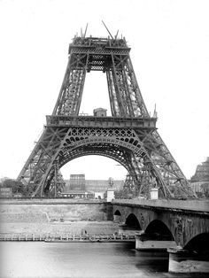 Строительство Эйфелевой башни « FotoRelax