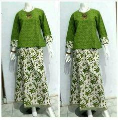 Kebaya Dress, Batik Kebaya, Muslim Fashion, Hijab Fashion, Fashion Dresses, Blouse Batik, Batik Dress, Batik Muslim, Batik Fashion