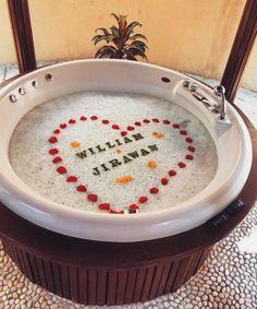 Bandos tub greeting with distinctive font in the fount. Romantic Ideas, Maldives, Tub, Food, The Maldives, Bath Tub, Eten, Soaking Tubs, Tupperware