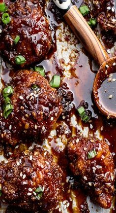 15 Best Oven Baked Chicken Recipes Ever Looking for the best oven baked chicken recipes? These are the best of the best recipes that we could find. Get ready for lots of taste and deliciousness! Boneless Chicken Wings, Baked Chicken Wings, Oven Baked Chicken, Baked Chicken Recipes, Bbq Chicken, Korean Fried Chicken, Asian Chicken, Sesame Chicken, Crusted Chicken