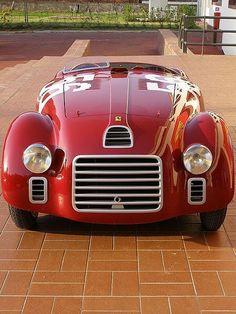 gentlemansessentials:  La Ferrari    Gentleman's Essentials