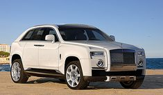 Rolls-Royce to Decide on SUV Expansion After Sales Record