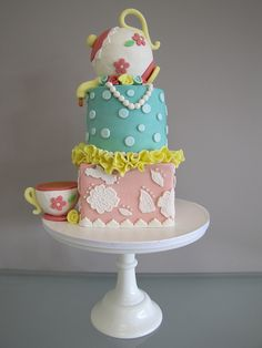 Teapot Cake by confectioneiress, via Flickr